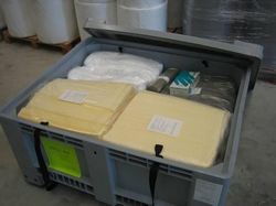 SPILL KIT 300 (oils or hydrocarbons) or chemicals)
