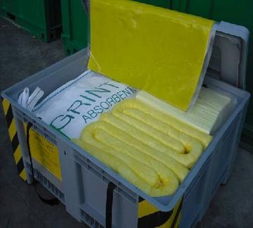 SPILL KIT 670 (oils or hydrocarbons) or chemicals)
